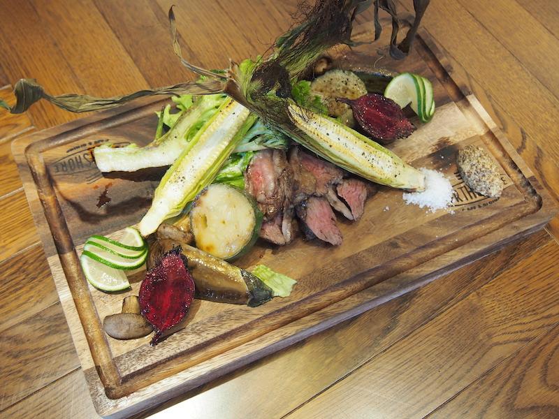 ガッツリ行きたい時に最適、柔らかくジュー シーなお肉は食べやすくカットされていて、女性にも大人気!