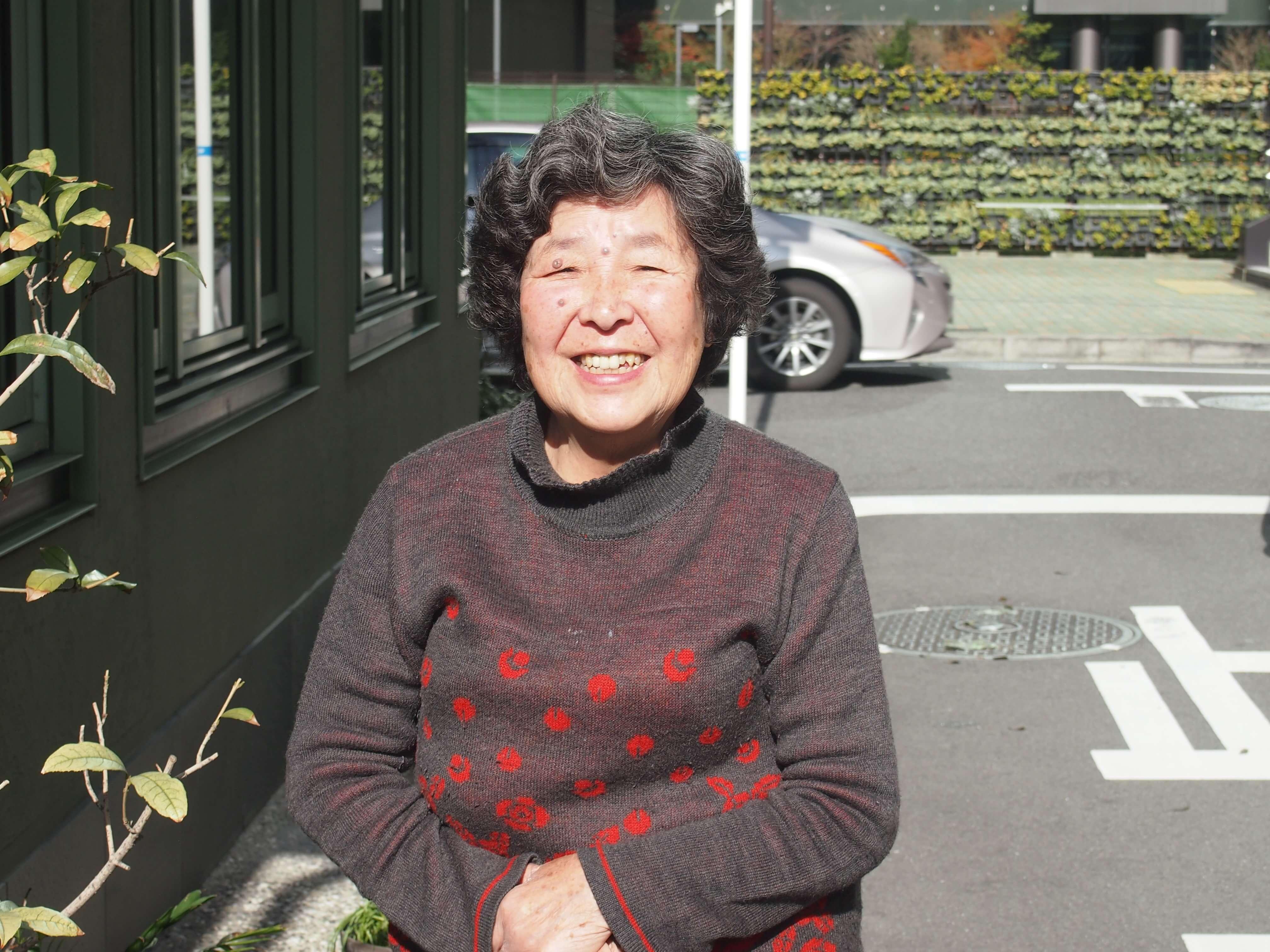 """中之島の移り変わりを、50年以上にわたって見守り続けてきた、店主の室谷聖子さん。中之島の""""母""""ともいえる存在。"""