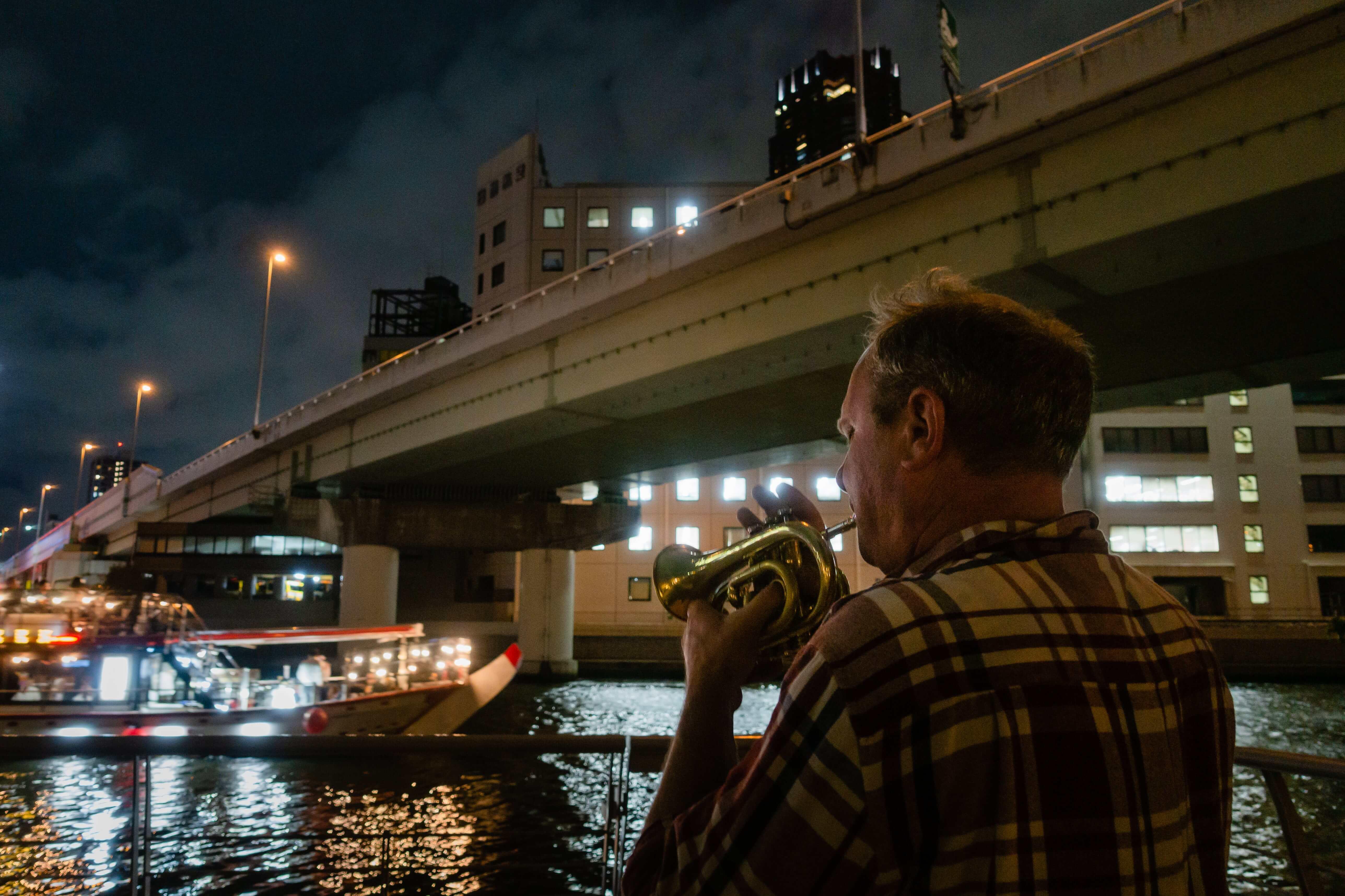 作品名:riverside concert / 撮影場所:中之島公園 / 撮影者:maxakichiさん